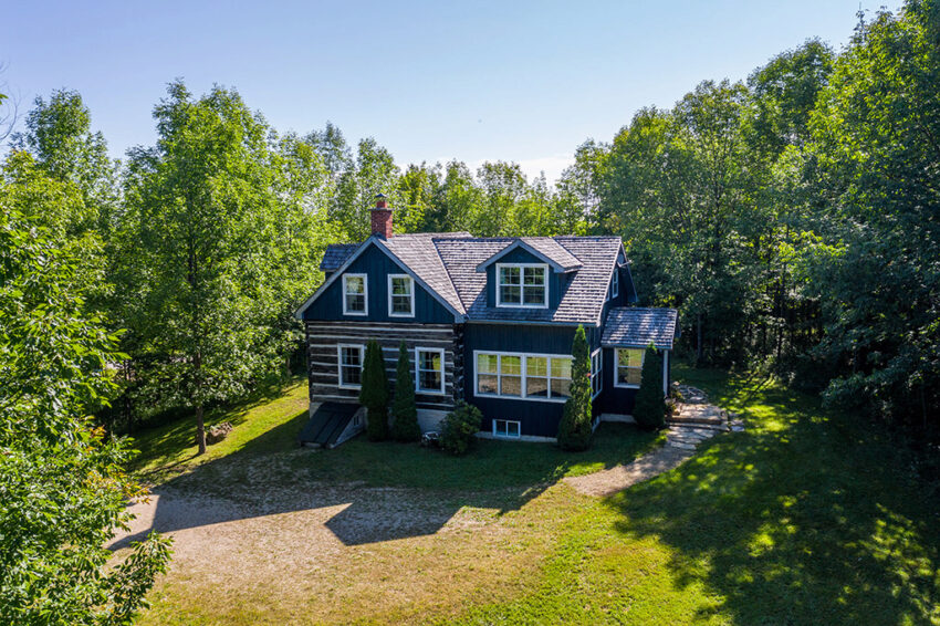 200 Valley Cres